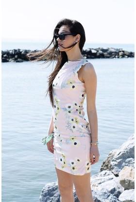 Sofistiqe Pembe Çiçekli Elbise