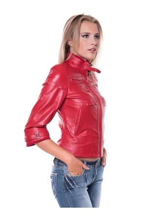İparelde B225 Kırmızı Bayan Deri Ceket