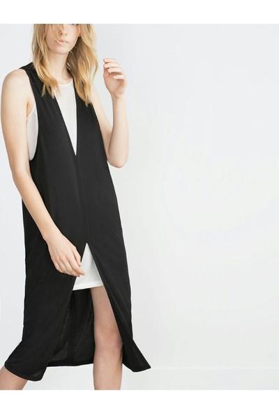 Sofistiqe Beyaz İçlikli Siyah Elbise