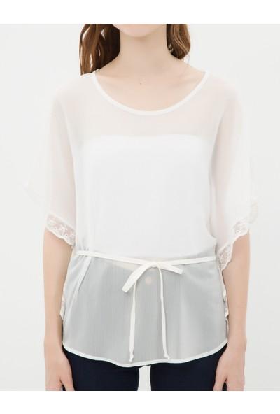 Ole Kadın Dantel Detaylı Bluz Beyaz