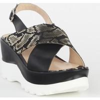 Markazen Tokalı Desenli Dolgu Topuklu Ayakkabı - Siyah