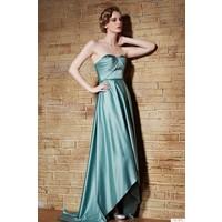 Nelida Beli Ve Göğüs Kısmı Boncuk Detaylı Elbise