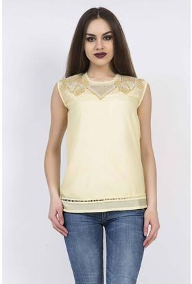 Serpil İşlemeli Yaka Detaylı Sarı Bluz
