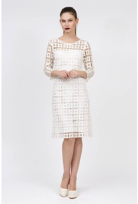 Serpil Dantel Detaylı Beyaz Elbise
