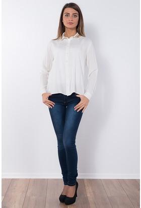 Modaverda Bayan Yakası Yapraklı Bluz Beyaz Renk