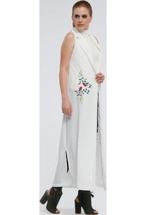 İroni Çiçek Nakışlı Beyaz Uzun Yelek