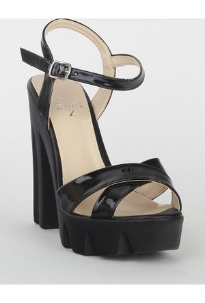 Markazen Bantlı Topuklu Ayakkabı - Siyah