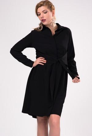 İroni Önü Kuşaklı Siyah Gömlek Elbise