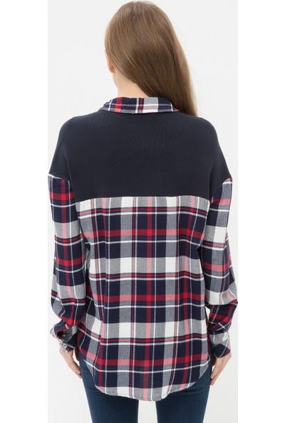Ole Kadın Cep Detaylı Gömlek Lacivert
