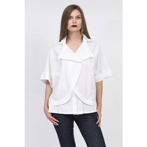 Serpil Ön Kapama Detaylı Beyaz Gömlek