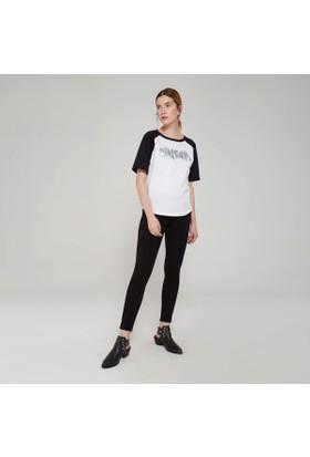 Ribellion Önü Parlak Baskılı T-Shirt 17YKT 164