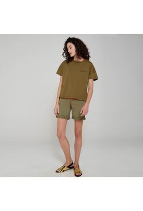 Ribellion Göğüs Kısmı Nakışlı T-Shirt 17YKT 34