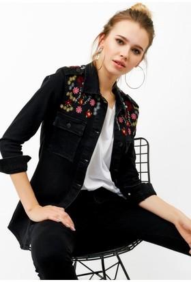 Eka Nakış İşlemeli Çıtçıtlı Kot Ceket