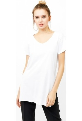 Eka V Yaka Uzun Yırtmaçlı Basic T-Shirt