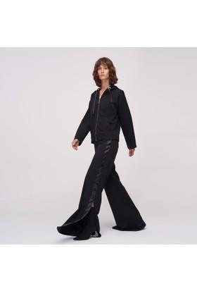 Ribellion Yanı Saten Şeritli Paçası Yırtmaçlı Geniş Kesim Pantolon
