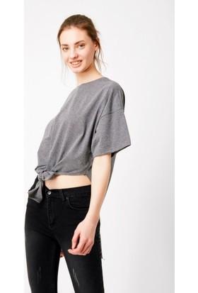Eka Önü Bağlamalı Salaş T-Shirt