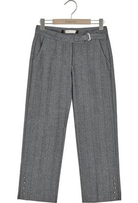 Yargıcı Düğme Detaylı Pantolon