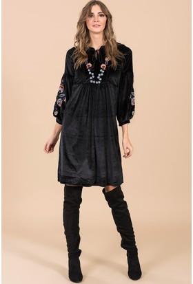 İroni Nakışlı Kadife Elbise - 90732-Esq Siyah