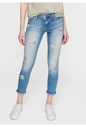 Mavi Kadın Ada Nakışlı Jean Pantolon