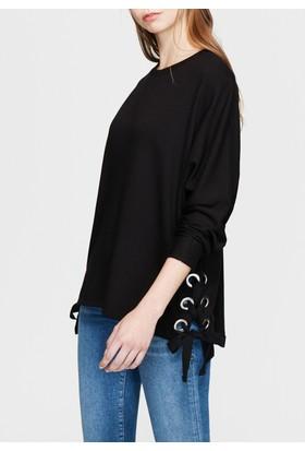 Mavi Kuşgözü Detaylı Siyah Sweatshirt