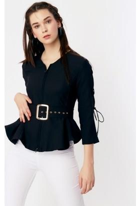 Eka V Yaka Önü Fermuarlı Kemerli Bluz