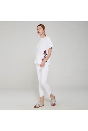 Ribellion Çiçek Aplikeli T-Shirt 17YKT 41