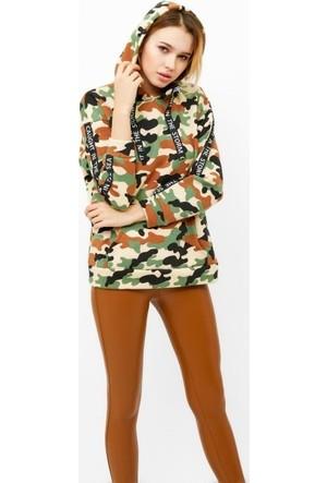 Eka Kapüşonlu Kamuflaj Desenli Cepli Sweatshirt