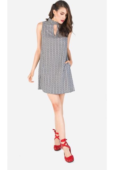 Clandestino Yaka Detaylı Mini Elbise