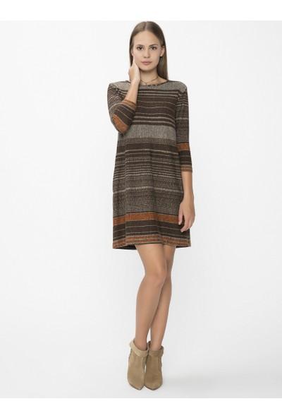 Xint Kapalı Yuvarlak Yaka Kahverengi Elbise