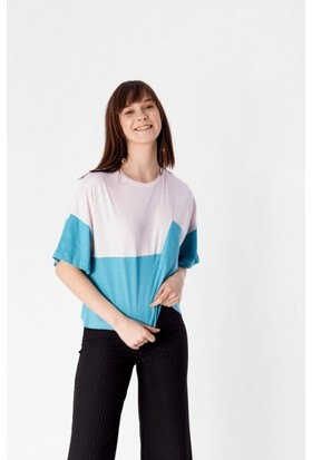 Eka Parça Renkli Cepli Kısa T-Shirt