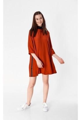 Eka Yarım Balıkçı Fermuarlı Yetim Kol Elbise