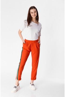 Eka Yanı Şeritli Cepli Pantolon