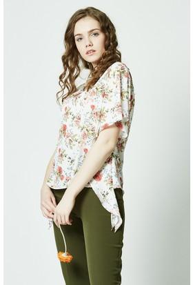 Soral Kadın Yarasa Kol Fırfırlı Bluz
