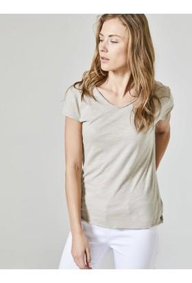 Xint V Yaka Rahat Form Tişört