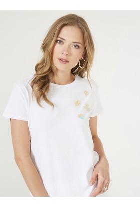 Xint Yakası İşlemeli Tişört
