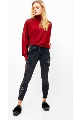 Eka Nakış İşlemeli Yüksek Bel Likralı Jean