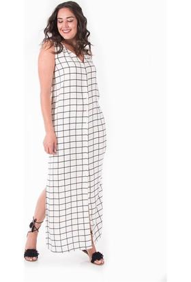 Plus Kadın Beyaz V Yaka Düğmeli Uzun Elbise