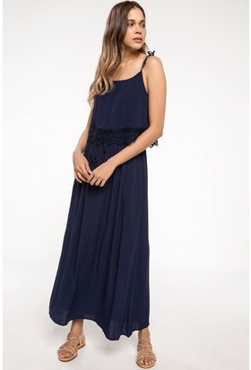 Defacto Dantel Detaylı Askılı Uzun Elbise