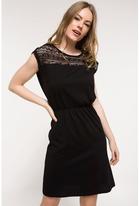 Defacto Dantel Detaylı Elbise