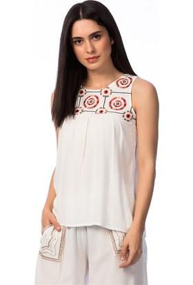 Lafaba Robası Nakışlı Beyaz Bluz