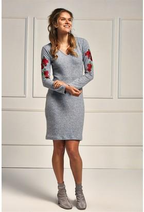 Lafaba Gri Kolları Nakışlı 95 Cm Örme Elbise