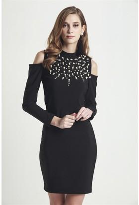 Lafaba Omuzları Dekolteli 95 Cm Siyah Kalem Elbise