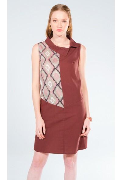 Clandestino Yaka Detaylı Elbise