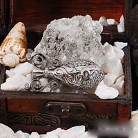 Zevahir Gümüş Elmas Modeli 925 Ayar Gümüş Avanos Küpü Broş