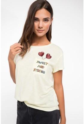 Defacto Cep Baskı Detaylı T-Shirt
