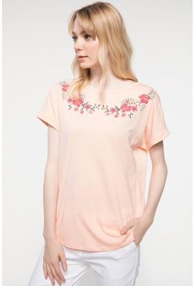 Defacto Nakış Detaylı T-Shirt