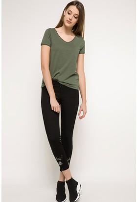 Defacto Nakış İşleme Detaylı Extra Slim Fit Pantolon