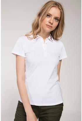 Defacto Yakası Nakış Detaylı Polo T-Shirt