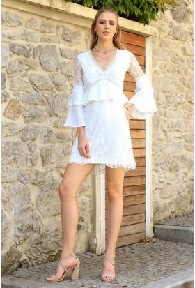Eka V Yaka Arkası Fermuarlı Dantel Astarlı Elbise