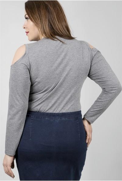 Myline Omuzları Açık Kolyeli Uzun Kol Bluz